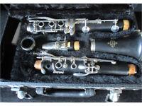 Clarinet Bb Buffet B12 in good case Good Bright Keywork