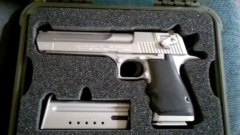 Precut Desert Eagle .50AE .44 Magnum .429DE Pistol foam fits Pelican 1400 case