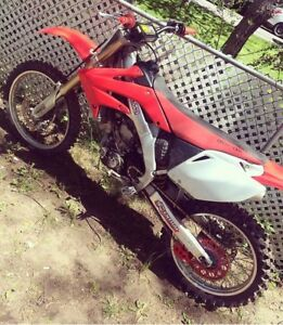 2006 crf 250 need cash Want gone by this weekend !!