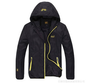 2013 New Mens  Outdoor mountaineering Jackets  Solid Color  Waterproof  Coat