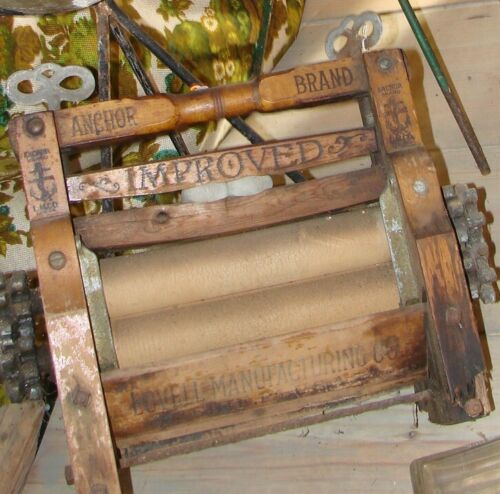 Vintage Wood Clothes Wringer Anchor Brand Improved Hand Crank Lovell