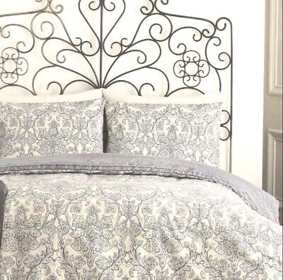 Jeff Banks Ports Of Call: Seville Bed Set (Double Bed Sheet & 2 x Pillowcases)
