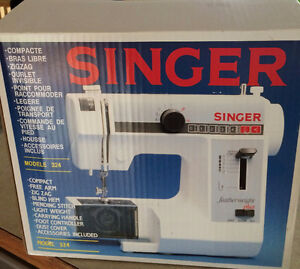 Singer Sewing Machine Feather Weight Plus