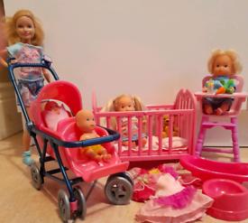 Babysitter doll set