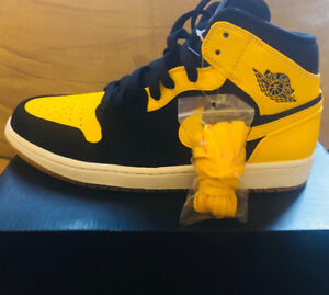Air Jordan 1 Retro Mid (New Love) - Yellow/Black M8.5