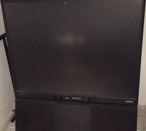 NON WORKING 50INCH TOSHIBA TV FOR FREE.