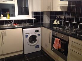 One single room to rent in woolwich