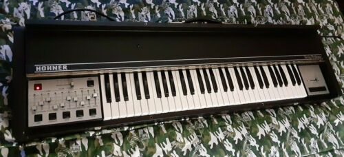 HOHNER - String Machine (German)...RARE POLYPHONIC Synthesizer  MINT-