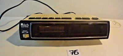 C76 Ancien appareil radio réveil Roberts electronic