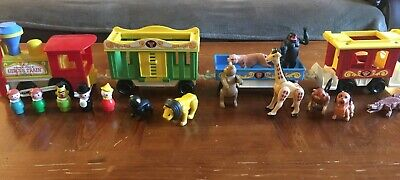 Vintage Fisher Price 1973 Circus Train #991 w/ Animal and Little People Lot