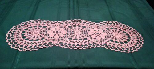 """BEAUTIFUL HAND-CROCHETED TABLE TOPPER 36 """"X 12"""" NEW DOILY SOFT MAUVE"""