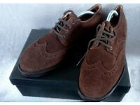 SAMUEL WINDSOR: BOXED MENS BROWN SUEDE BROGUE SHOES (WORN ONCE) SIZE 9