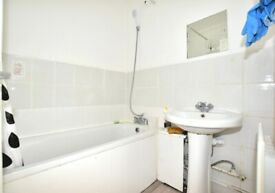 DOCKLANDS 3 BED FLAT DSS/HOUSING WELCOME GOOD TRANSPORT LINKS