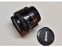 Nikon AF Nikkor 28mm 2.8 D FX wide angle prime lens in lovely condition