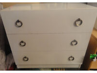 GOOD STURDY CONDITION, A NICE 3 DRAW CHEST OF DRAWS