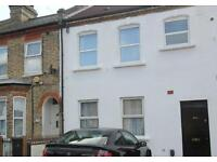 STUNNING RECENTLY RENOVATED SPACIOUS 1 double bed 1 bathroom period maisonette