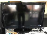 """Lg 32"""" HD freeview lcd tv"""