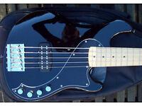 Squier, Deluxe Dimension Bass V, MN Black