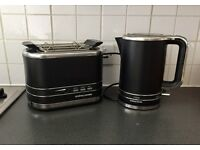 Matching Black Kettle & Toaster excellent condition