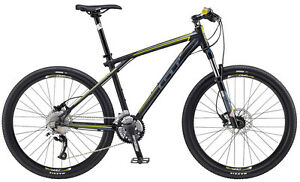 BIKE-GT-Avalanche-1-0-Disc-Matte-Black-Medium-Mountain-Trail-Bicycle-2012-New