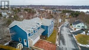 15 Maplewood Drive Halifax, Nova Scotia