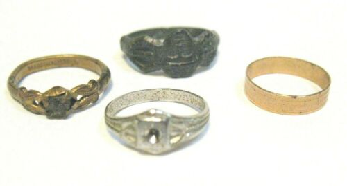 ANTIQUE COSTUME JEWELRY RING LOT OF 4 FOR CHILD OR SMALL FINGER