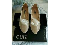 Quiz Sz5 sparkle pumps