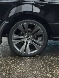 Range Rover BMW X5 ( 22 inch alloys new tyres )