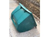 Lawn mower grass collection box