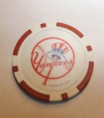 (NY New York Yankees Regulation Quality Poker Chip Souvenir Golf Ball Marker -Red)