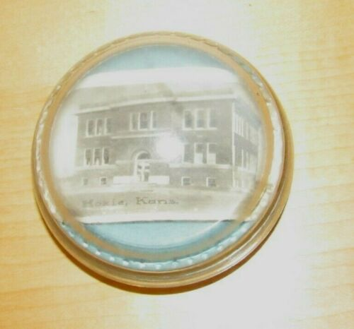 Very Old Magnifying Paperweight w/ Photo of Grade School Hoxie, Kansas KS Kans.