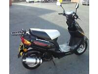 50cc scooter 2015 a lot of upgrates, top box, unrestricted,
