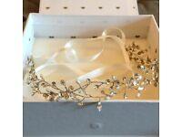 [brand new] Rhinestones & Pearls untamed petals 'kennedy' bridal headpuece