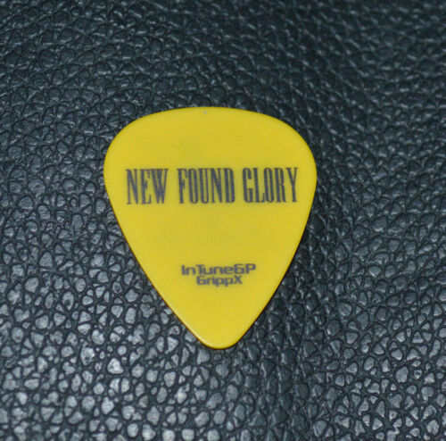 *AUTHENTIC NEW FOUND GLORY IAN GRUSHKA AS SLASH TOUR GUITAR PICK*