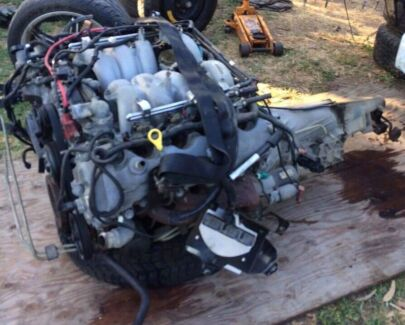Ford 220kw 3V V8 driveline engine , gearbox & tailshaft