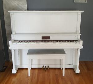 Piano pour décoration à donner!