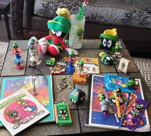 MARVIN THE MARTIAN Lot = collectors items ++! Looney Tunes