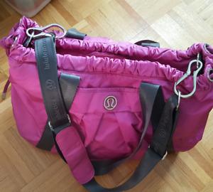 Lululemon Duffle   Yoga    Gym Bag