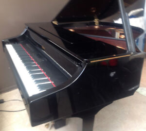 BEAUTIFUL ELECTRONIC  ROLAND V-PIANO  GRAND TOP OF THE LINE