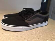 VANS Classic New OLD SKOOL Skate shoe sneakers TB4R US 10.5 Dural Hornsby Area Preview