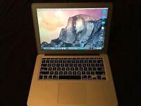 Macbook Air - i7 - 256GB - £450