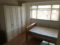 Very nice double room in a clean Family house!!