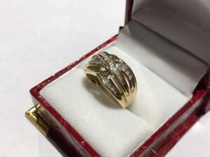 $1402 10K GOLD LADIES CHANNEL SET DIAMOND RING, UNIQUE LOOK. SIZE 6 3/4 APPRAISED AT $2,150