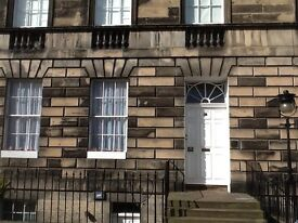 Charming one bedroom apartment in handsome A listed Georgian mansion in heart of Edinburgh New Town