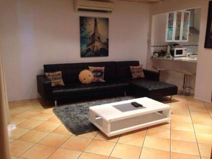 Spacious 2 Bedroom Townhouse In Small Quiet Complex