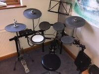 Yamaha DTX532K electronic drum kit- with free pedal and stool