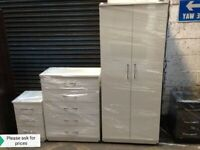 🌞🔥SYLISH NEW ASSEMBLED WARDROBES ON SALE!! MATCHING CHEST OF DRAWERS AND BEDSIDES AVAILABLE!!