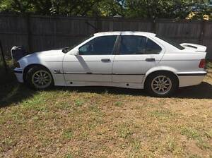 1994 BMW E36 318i White Sedan Yorkeys Knob Cairns City Preview
