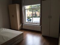 Spacious Double Room near Essex Road Station