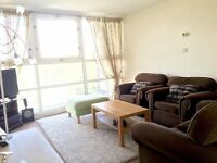 AMAZING DOUBLE ROOM IN 2 BEDROOM FLAT WITHIN WALKING DISTANCE TO WATERLOO!